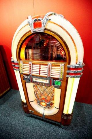 Музыкальный автомат США 50-60 гг.